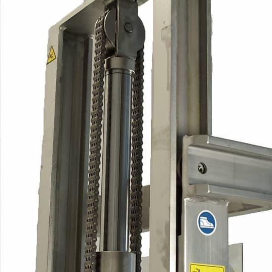 Серия Delta Inox самоходные электроштабелеры